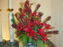 Shades of Red Sympathy Arrangement